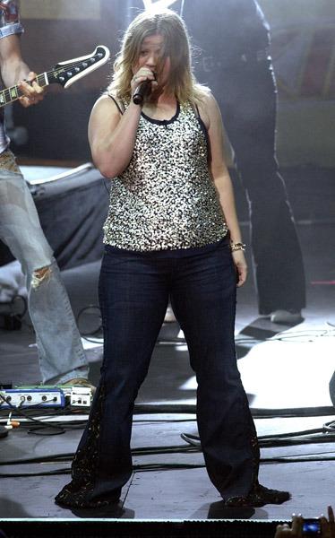 Kelly Clarkson in 2009